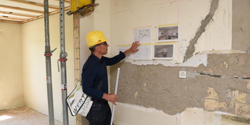 Bauleitung Pläne besprechen