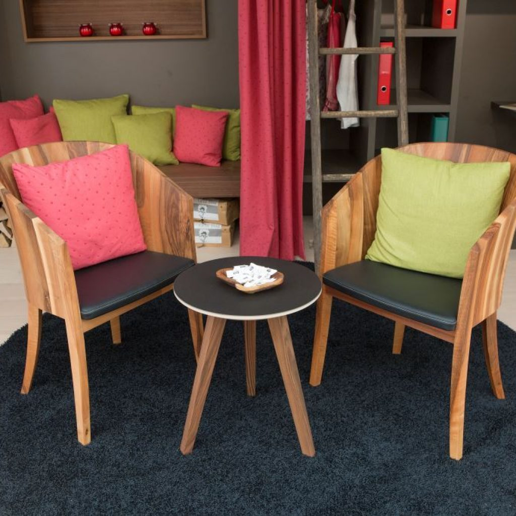 Schöne Holzstühle