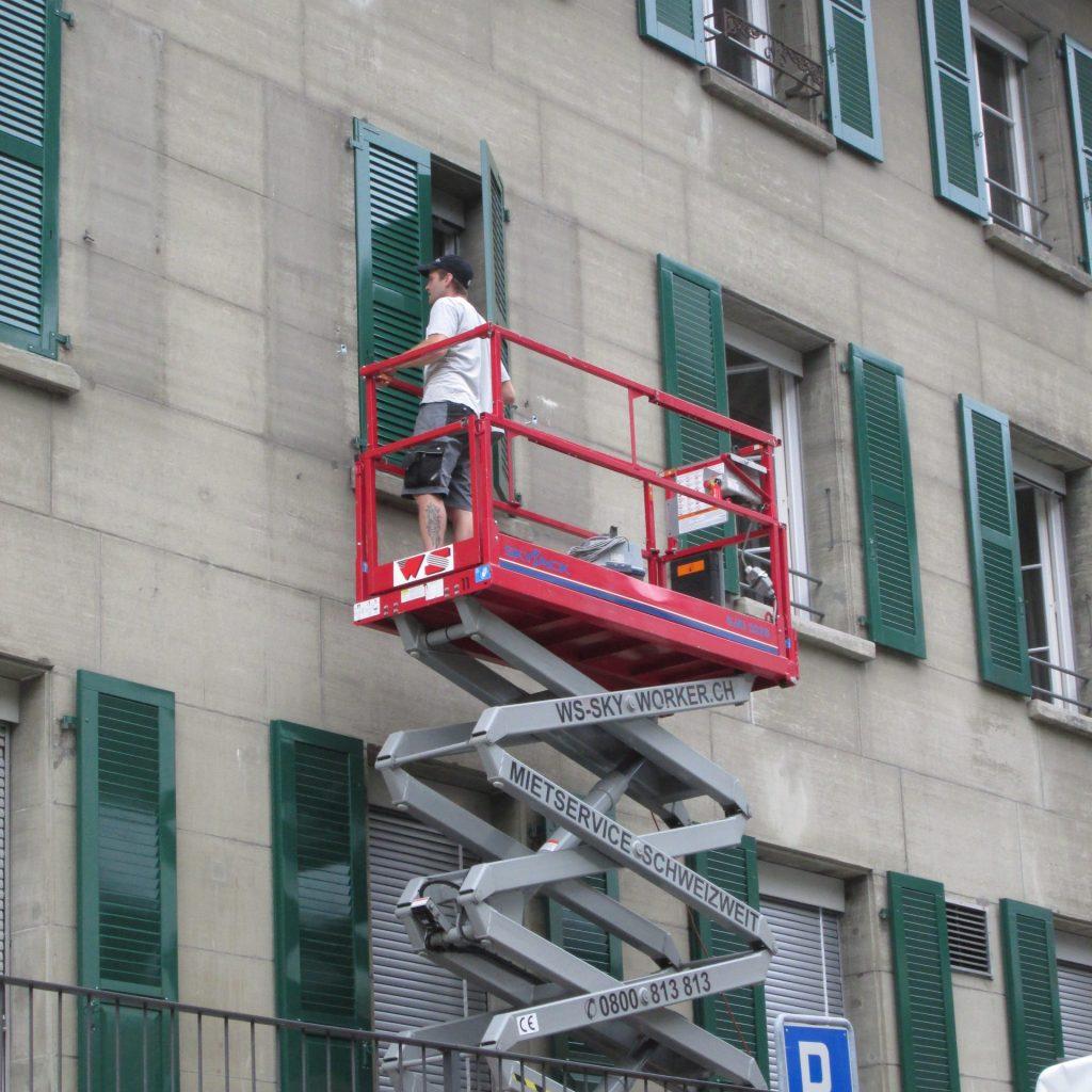 Fenstermontage mit Lift