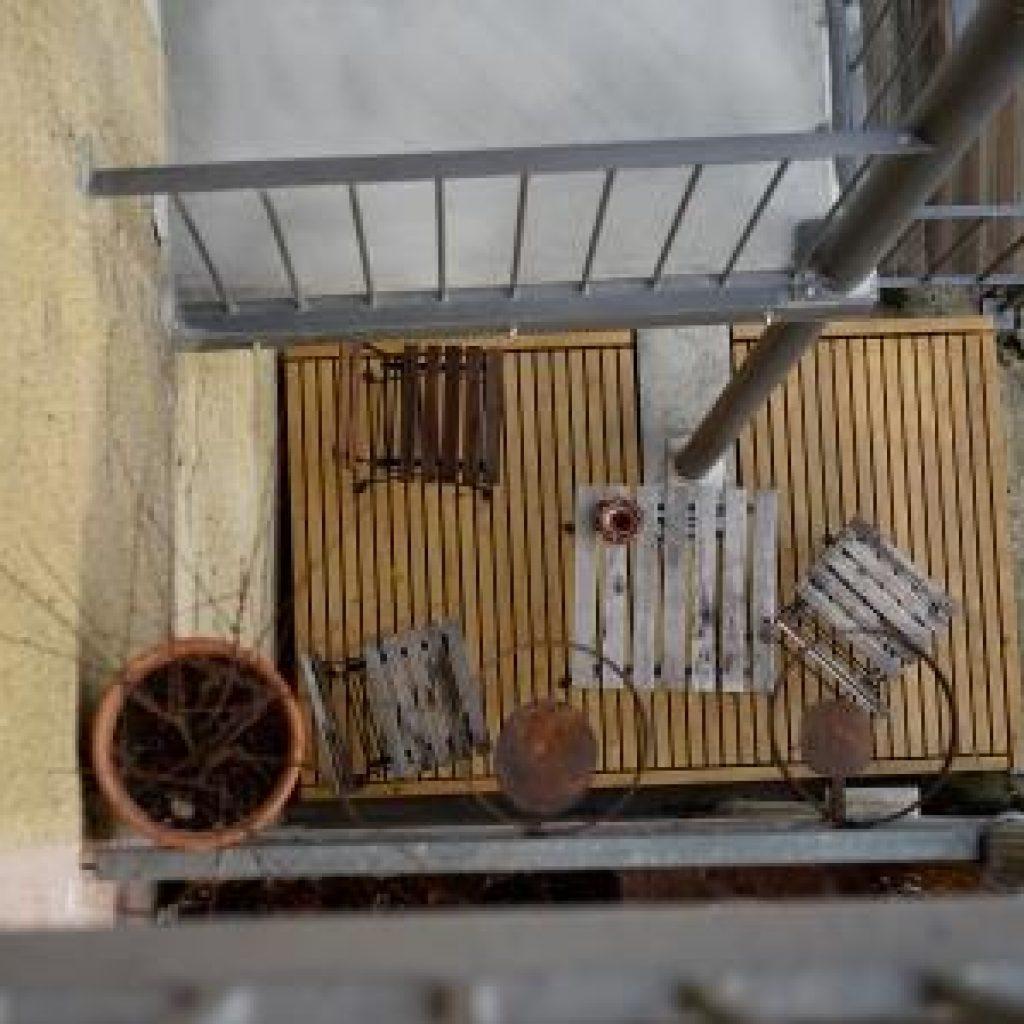 Terrasse mit dünnen Latten