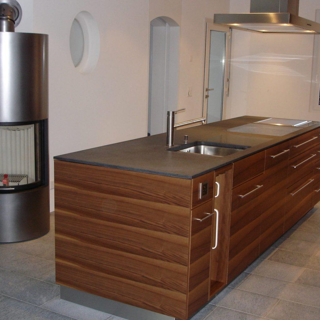 Küche edel mit Holzfronten