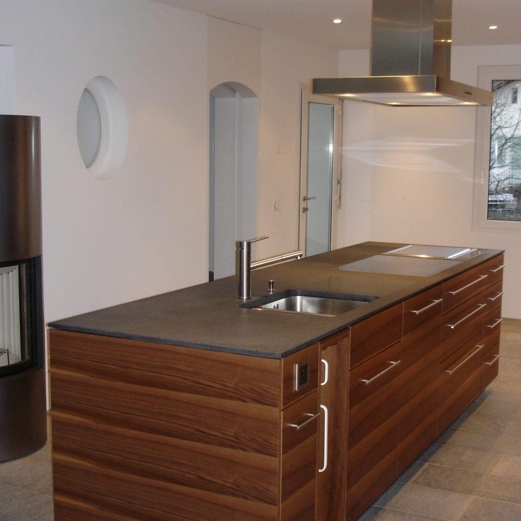 Küche in edlem Holz