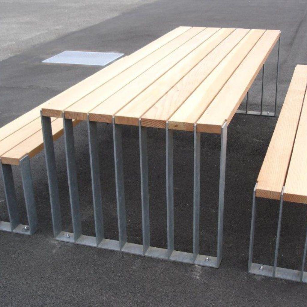 Parkbank mit Tisch Metallfüsse
