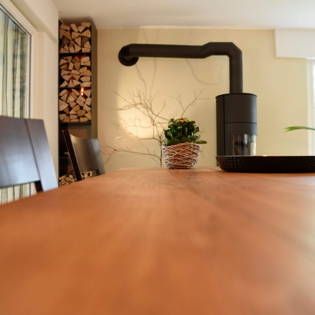 Grosser Tisch Massivholz